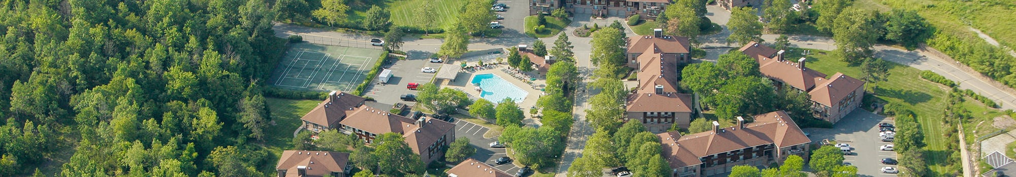 Everly Roseland is located in a nice neighborhood in Roseland, New Jersey