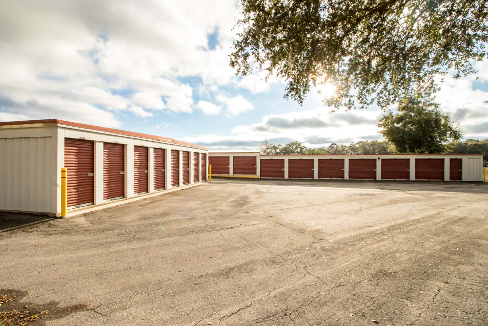 Ocala, Florida storage facility exterior storage units