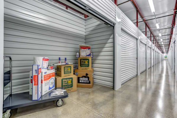 Clean storage units in Naperville, Illinois