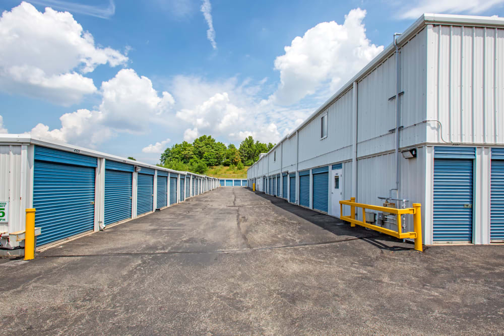 Exterior drive up units at Metro Self Storage in Staten Island, New York