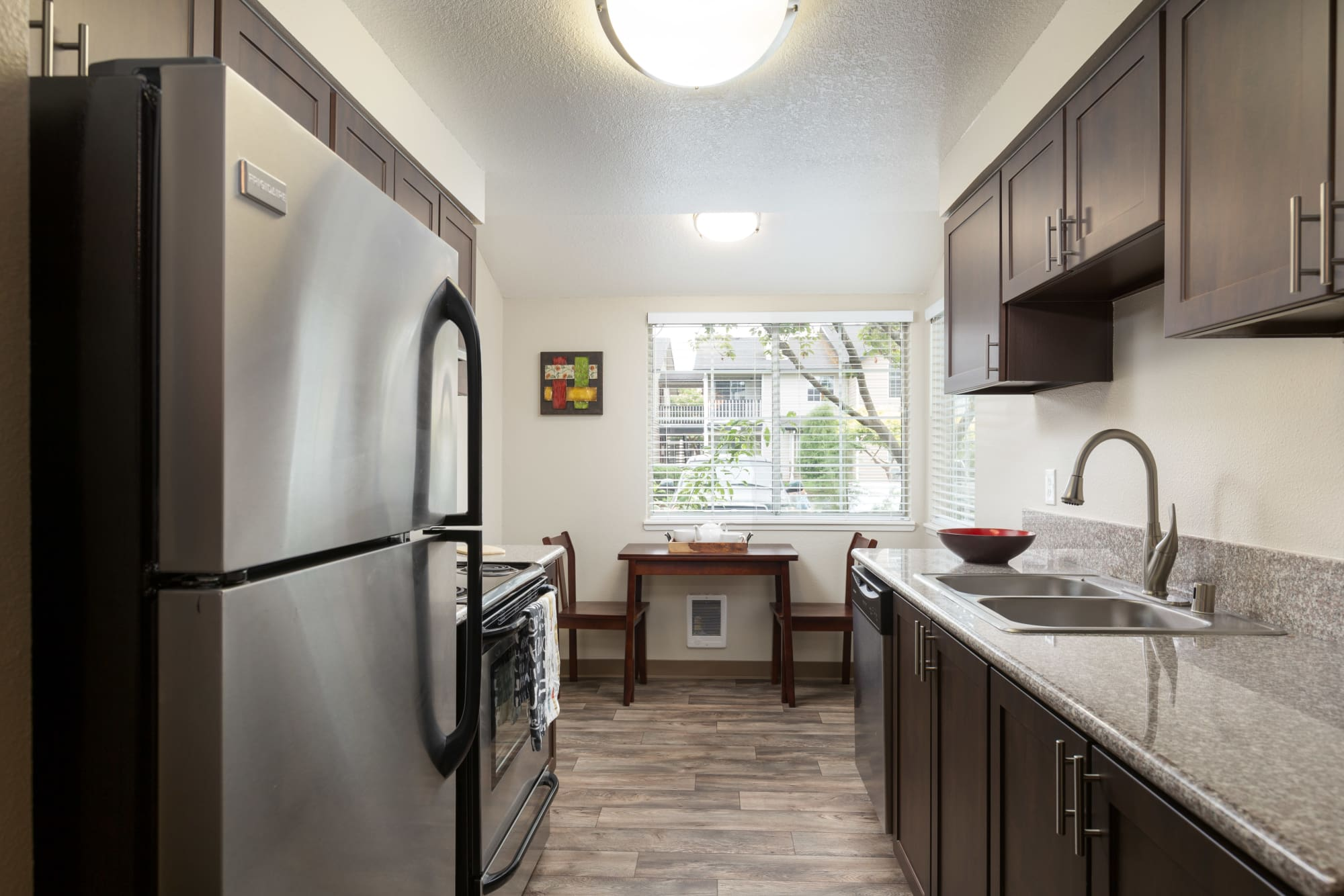 Fully Equipped Kitchen at Walnut Grove Landing Apartments in Vancouver, WA