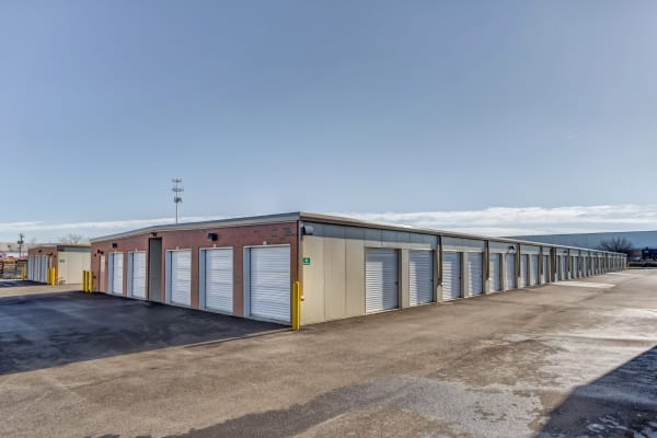 Metro Self Storage features exterior units in Naperville, Illinois