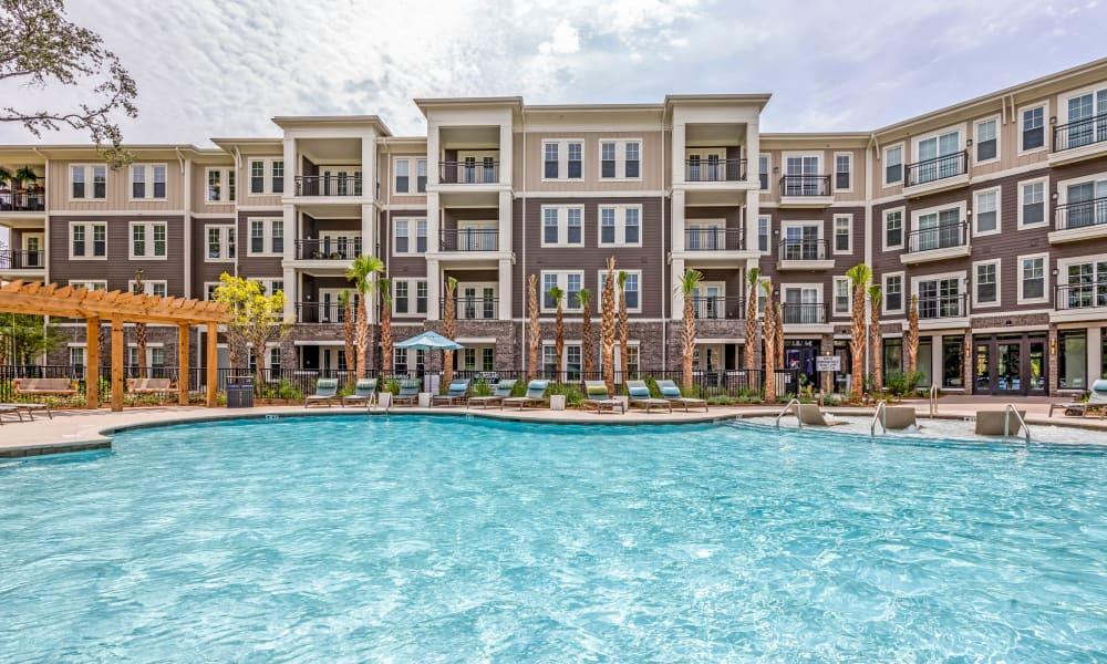 Spacious exterior pool at The Heyward in Charleston, South Carolina