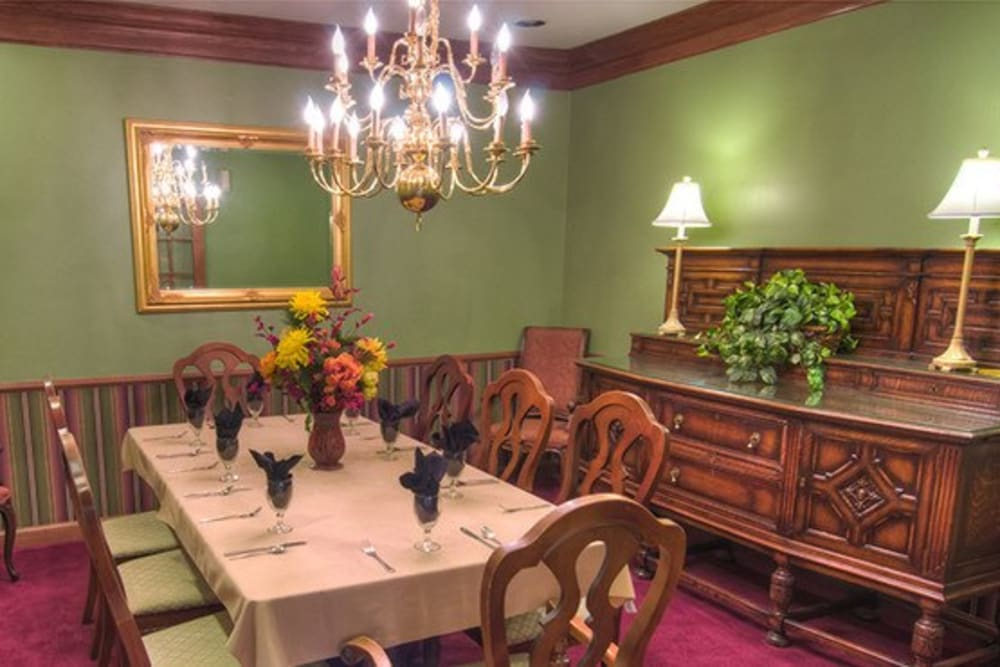Private dining room at Mansion at Waterford Assisted Living in Oklahoma City, Oklahoma