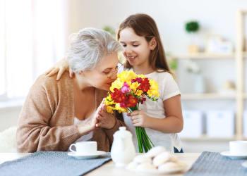 Granddaughter visiting resident at Lassen House Senior Living in Red Bluff, California