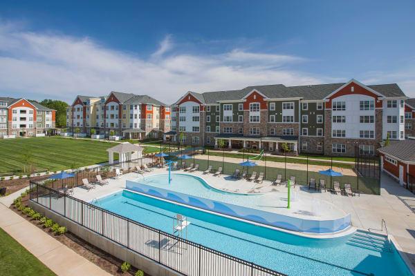Overlook at Monarch Mills pool