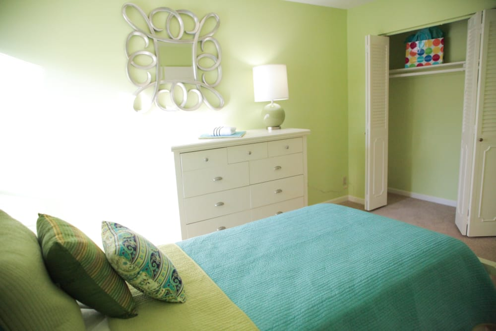 Bedroom layout of Lime Tree Village in Deerfield Beach
