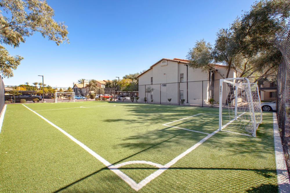 Elliot's Crossing Apartment Homes offers a soccer field in Tempe, Arizona