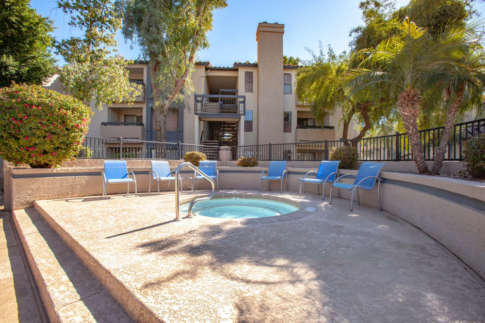 Apartments with a hot tub in Tempe, Arizona