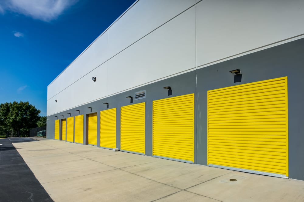 Drive up outdoor access storage units at Metro Self Storage in Orlando