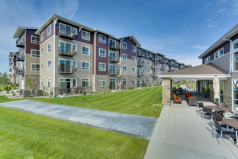 Spacious walking paths at Affinity at Billings in Montana