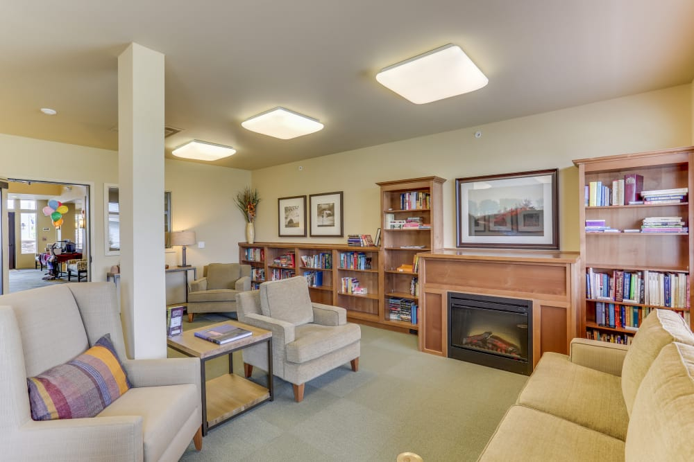 Resident library at Affinity at Billings