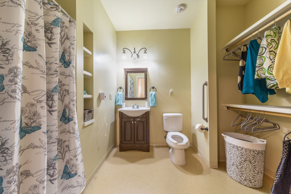 Spacious bathroom in Lafayette, Louisiana