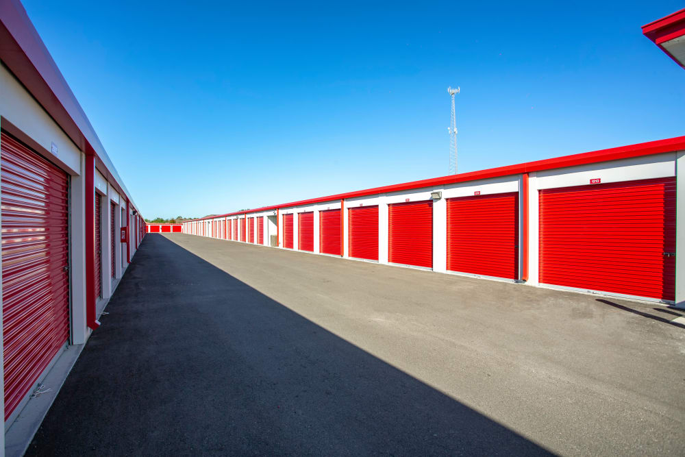 Drive up outdoor access storage units at Metro Self Storage in Riverview