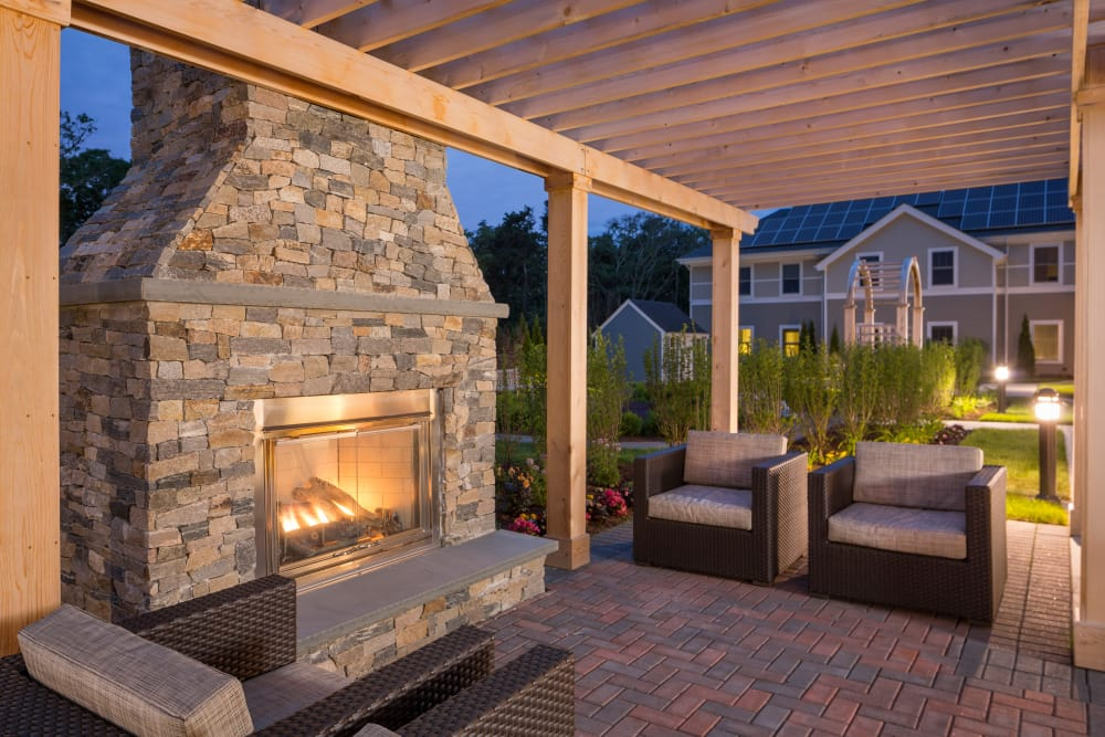 Maplewood at Brewster in Brewster, MA has beautiful outdoor common areas for residents and their families to enjoy.