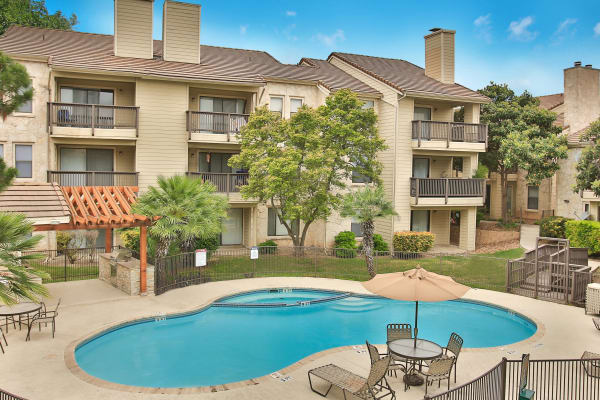 Turtle Creek Vista Apartments offers a beautiful swimming pool in San Antonio, Texas
