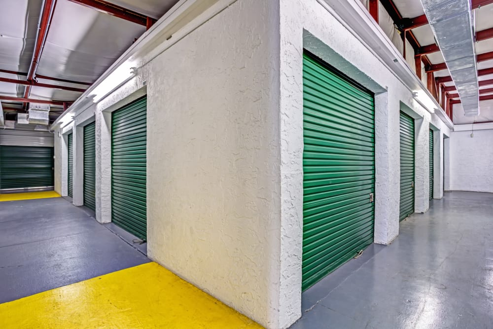 Metro Self Storage offers indoors units in Largo, Florida