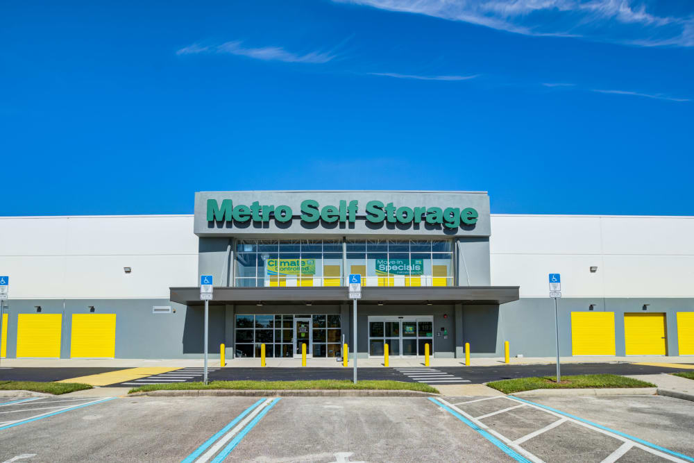 Sign and exterior view of office at Metro Self Storage in Orlando