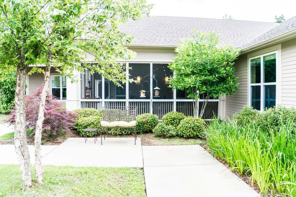 Little Rock, Arkansas senior living community with nice landscaping