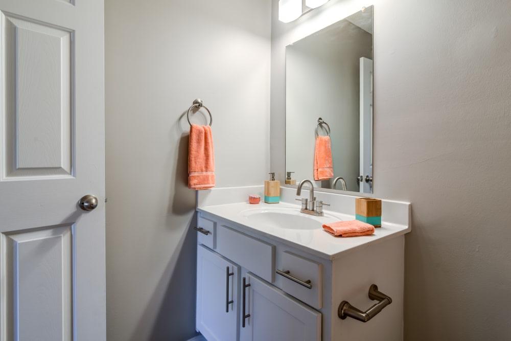 Enjoy a beautiful bathroom at Keystone Farms