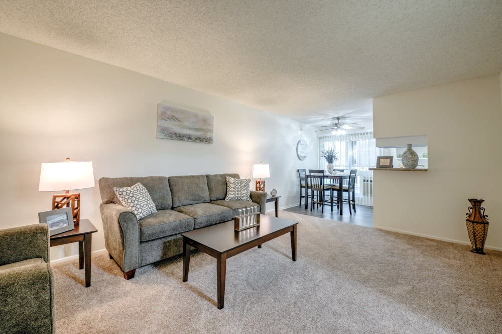 Large open living room waiting for your furniture at Vista Pointe I in Studio City, CA