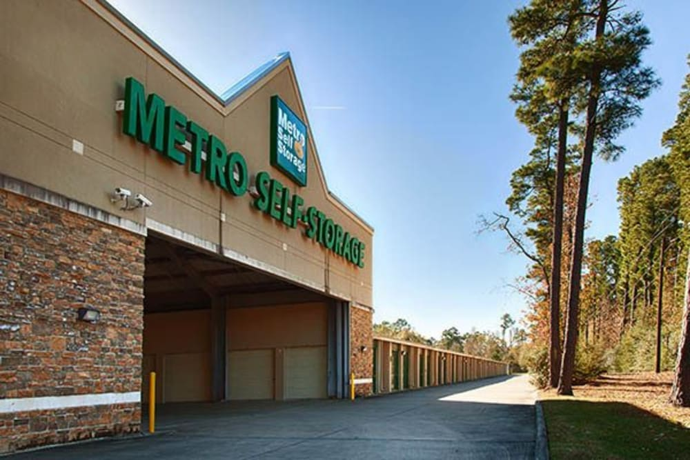 Drive in entry access at Metro Self Storage in Kingwood, Texas