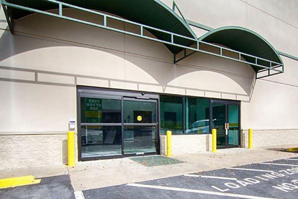 Entrance to Metro Self Storage in Sandy Springs, Georgia