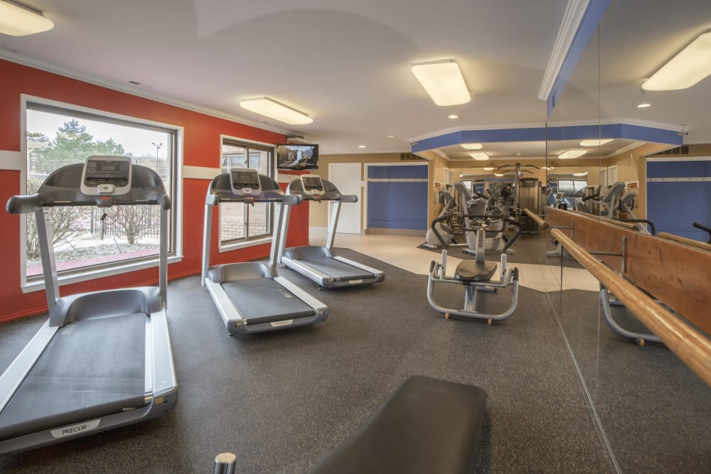 Fitness center at Saddle Creek Apartments in Novi, Michigan