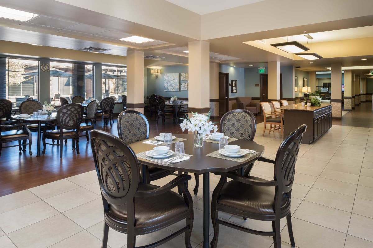 A large dining room at Avenir Memory Care at Scottsdale in Scottsdale, Arizona.