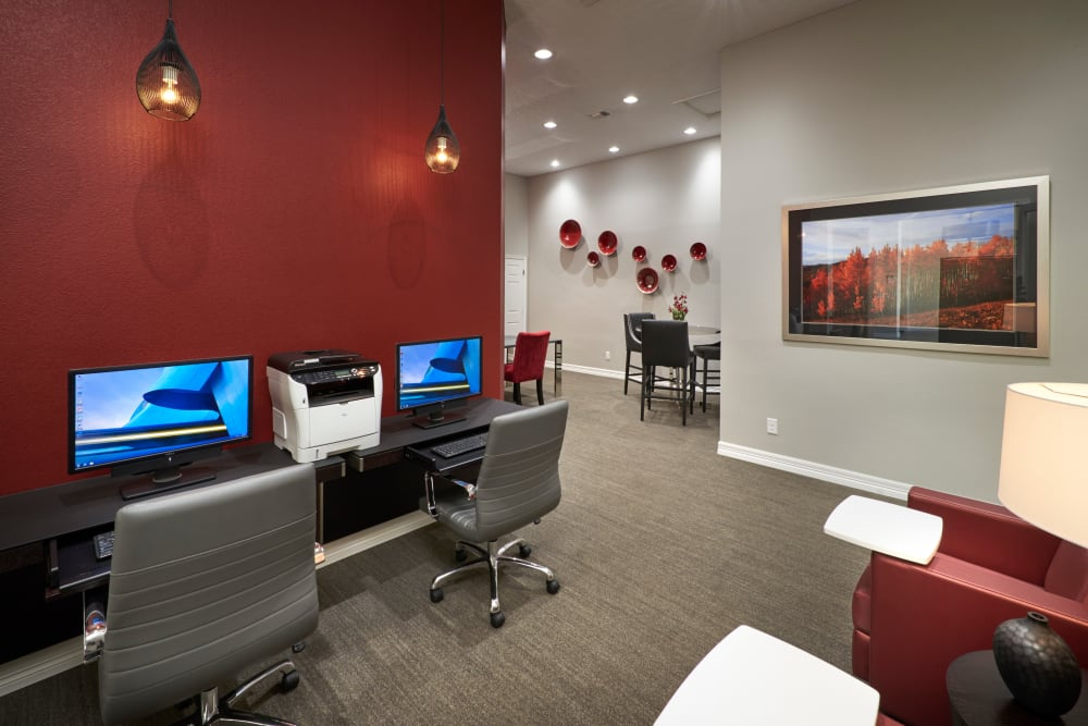 Community common area for resident use at Promenade at Hunter's Glen Apartments in Thornton, Colorado