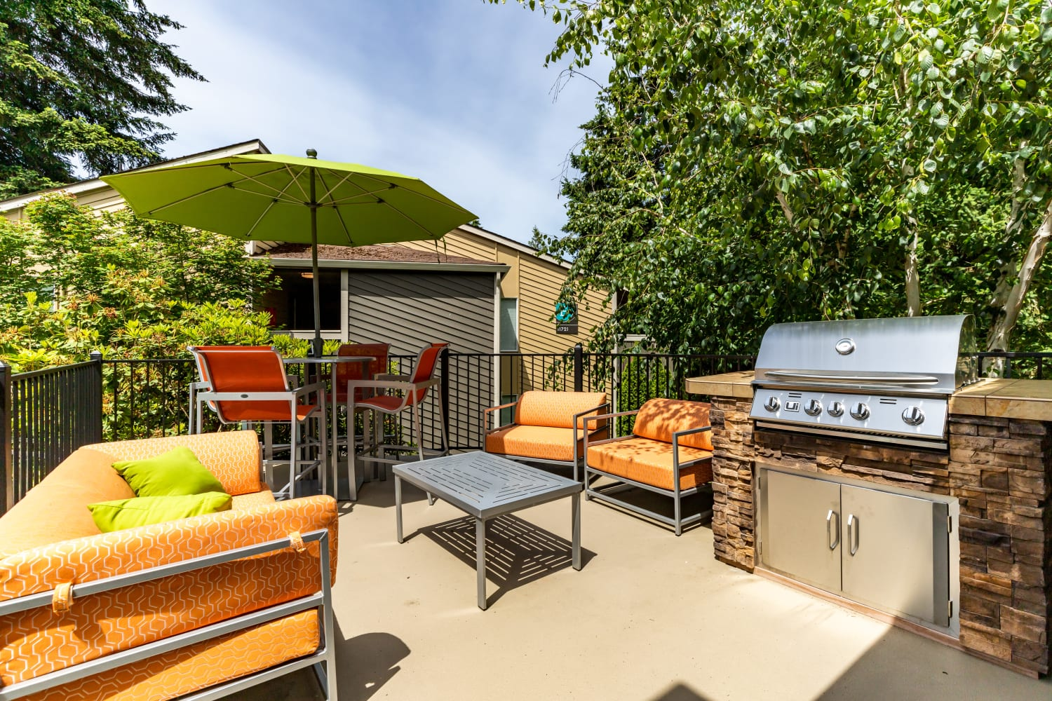 BBQ Area at Vue Kirkland Apartments in Kirkland, Washington