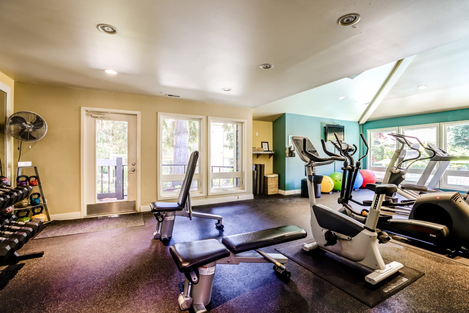 Fitness center at Vue Kirkland Apartments in Kirkland, Washington