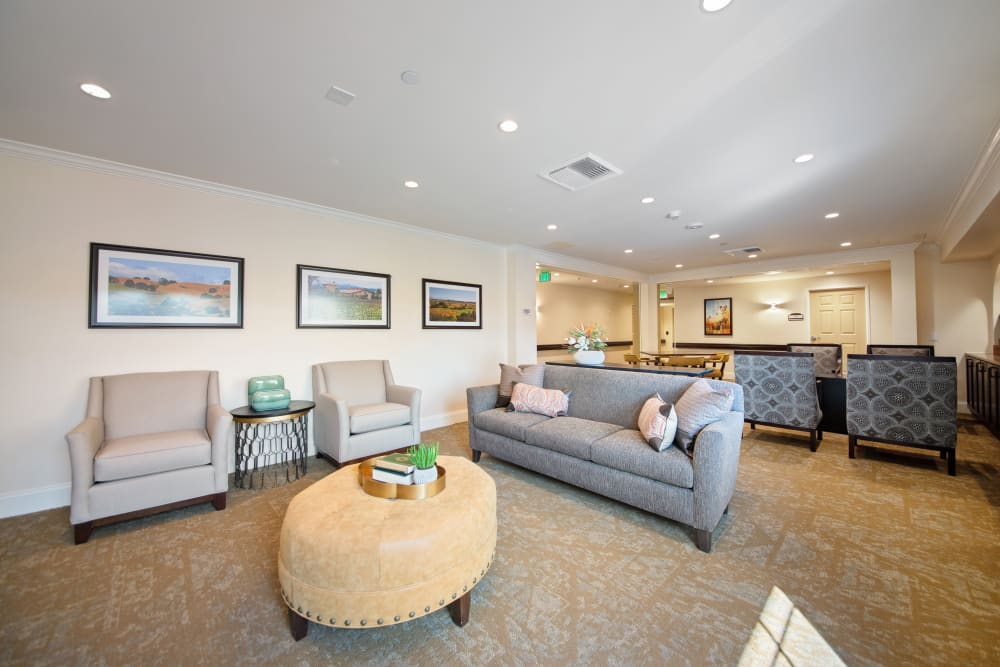 sitting area at Regency Palms Oxnard in Oxnard, California