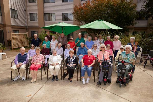 Resident group at Shorewood Senior Living