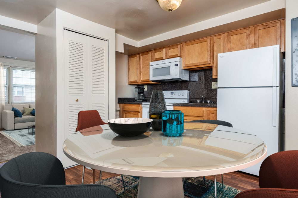 Cove Village offers a beautiful dining room in Essex, Maryland