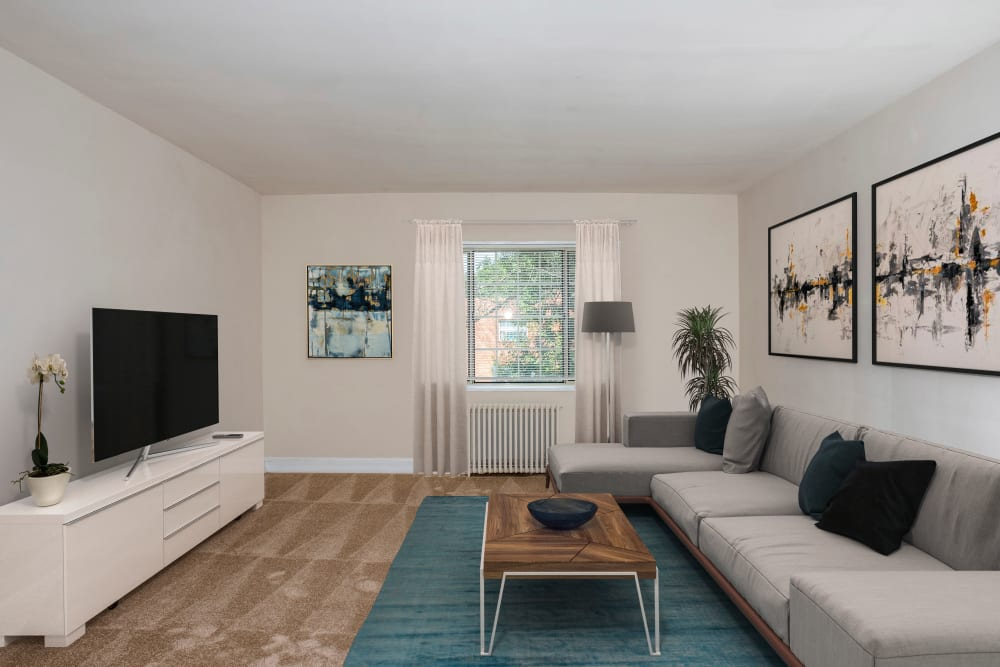 Beautiful apartments with a living room at Hamilton Manor