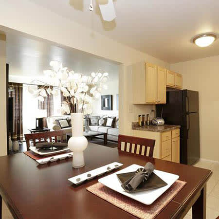 Bolingbrook, IL Apartments near Romeoville | Riverstone ...