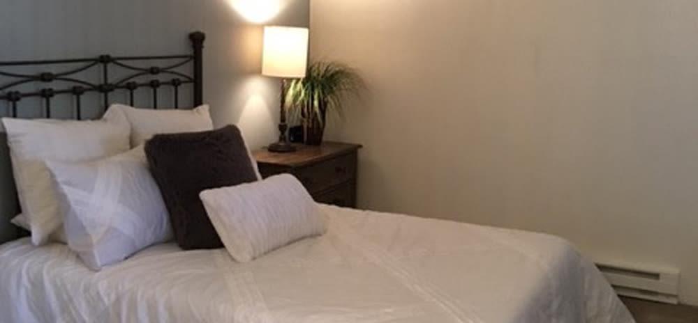 Bedroom at Vista Alegre apartments