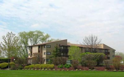 Gorgeous apartments at Cedar Ridge in Richton Park
