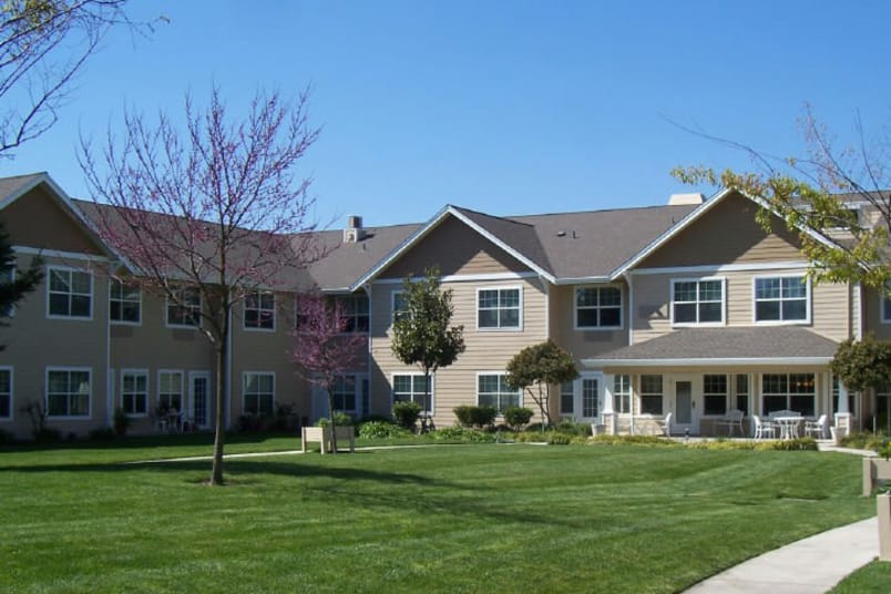 Photo gallery at Dale Commons in Modesto, California