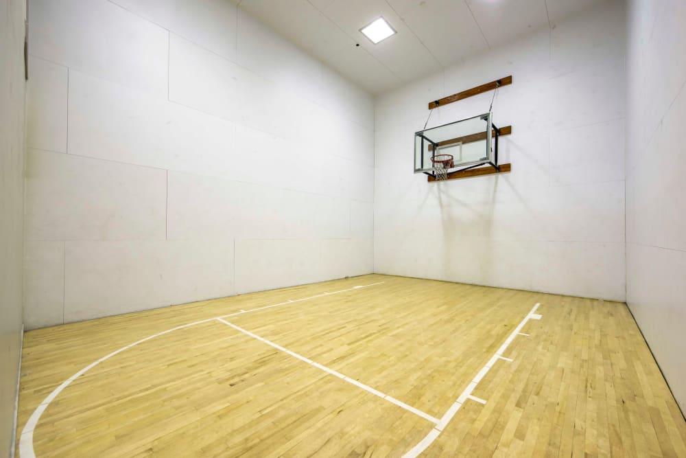 Basketball court at Sierra Del Oro Apartments in Corona, California