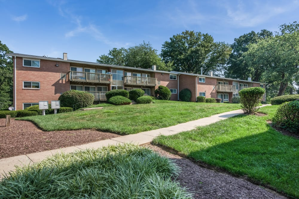 Beautiful landscaping at apartments in Rockville, Maryland