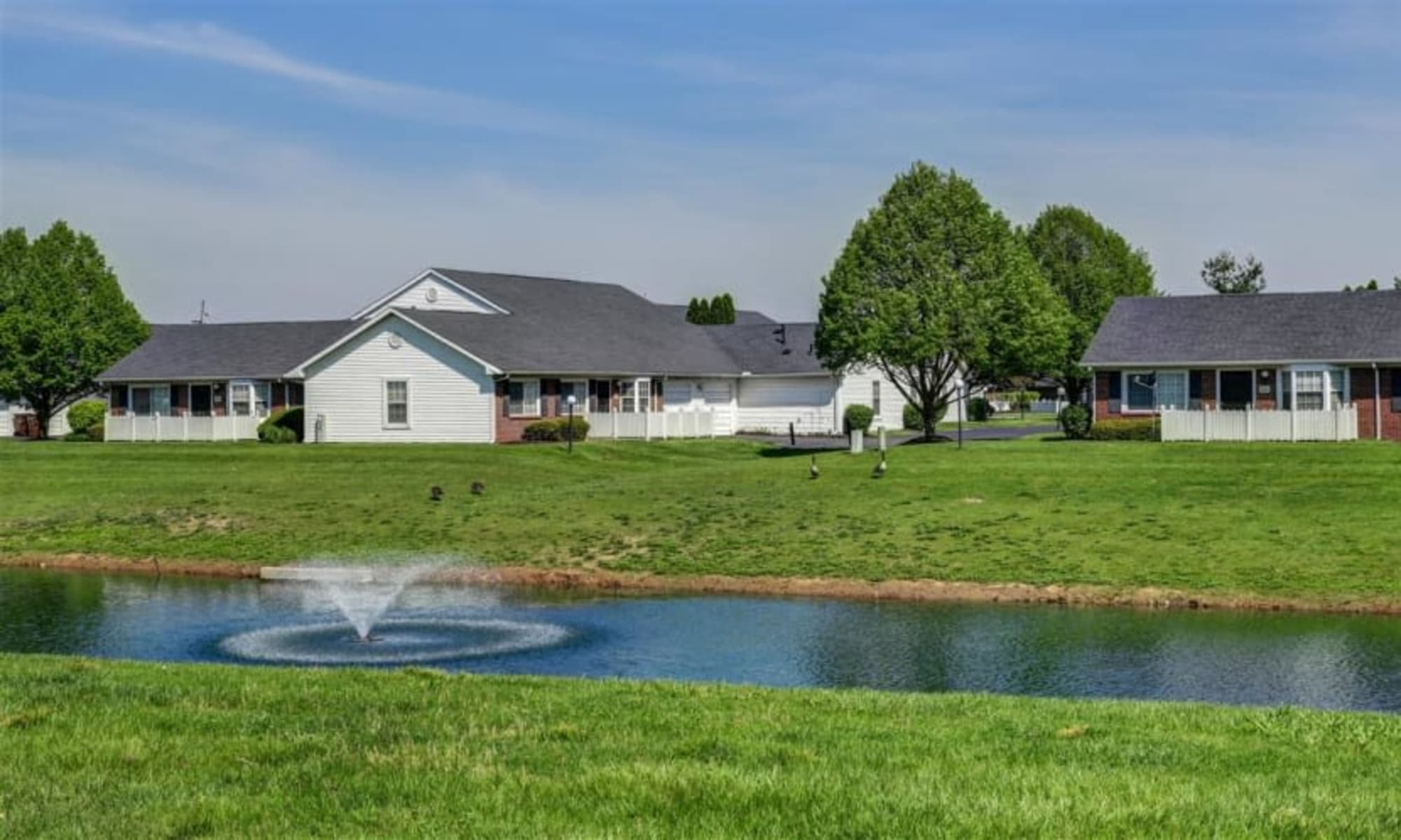 Apartments for rent at Waterford Harbour in Groveport, Ohio