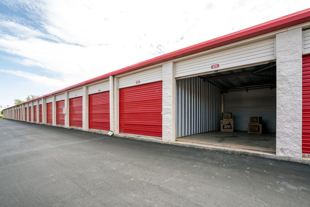 Outdoor units at Metro Self Storage in Alcoa, TN