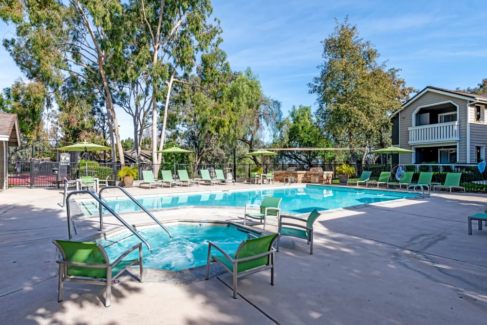 Beautiful resort-style swimming pool and hot tub at Village Oaks in Chino Hills, California