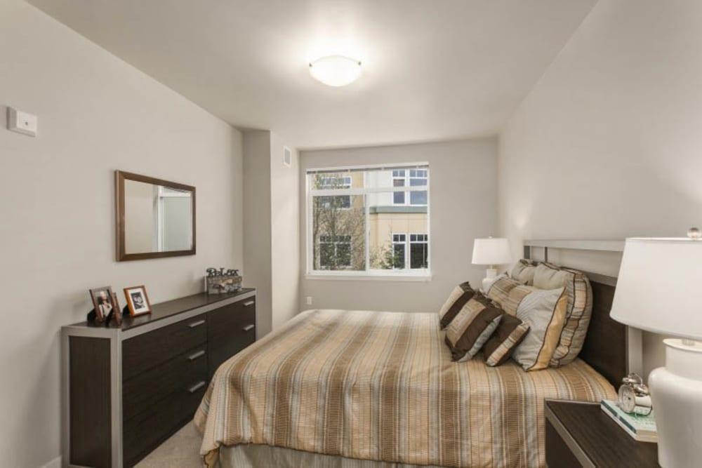 Resident bedroom at Merrill Gardens at Kirkland in Kirkland, Washington.