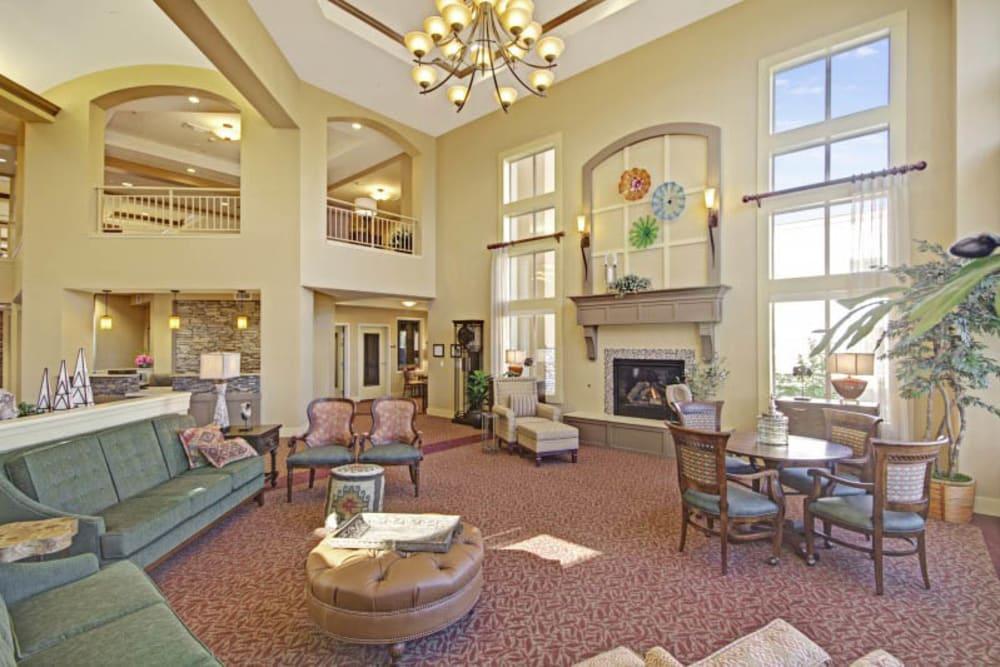 Lobby at The Oaks, A Merrill Gardens Community in Gilbert, Arizona.