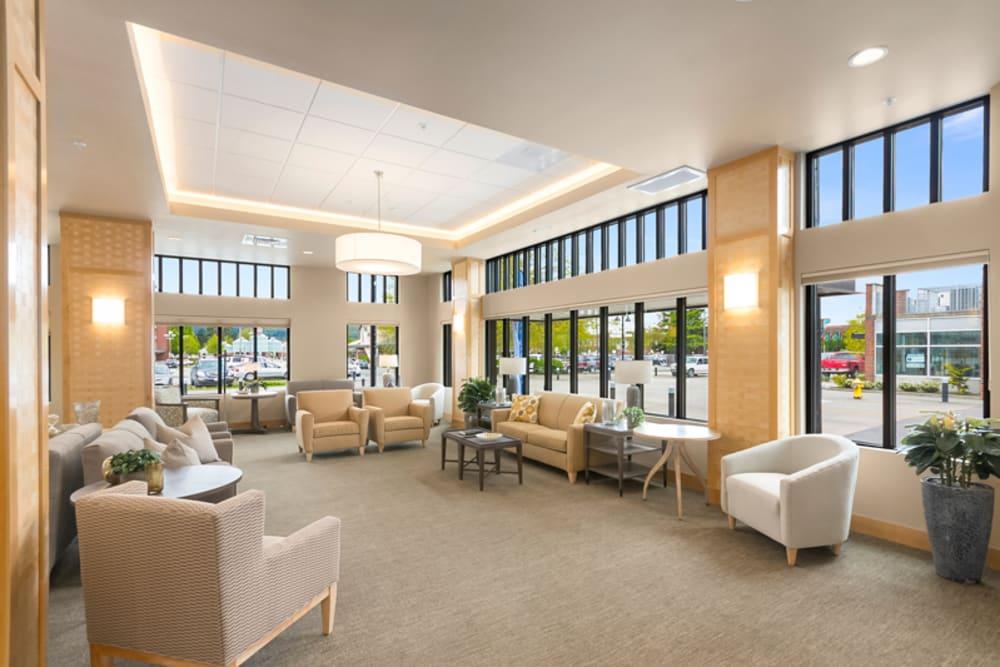 community living room at Merrill Gardens at Auburn in Auburn, Washington.