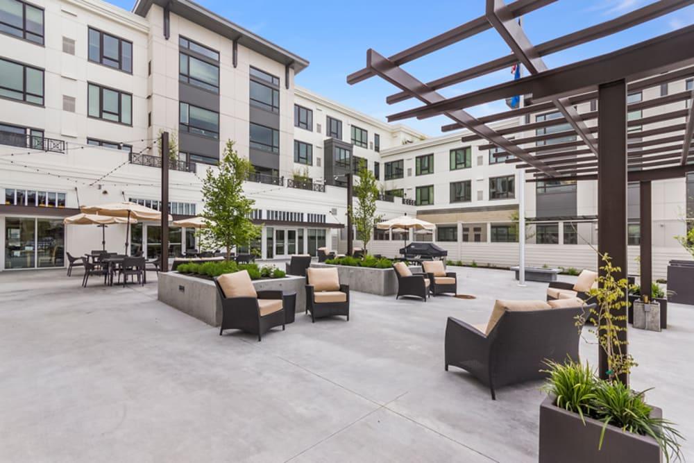 Beautiful patio at Merrill Gardens at Auburn in Auburn, Washington.