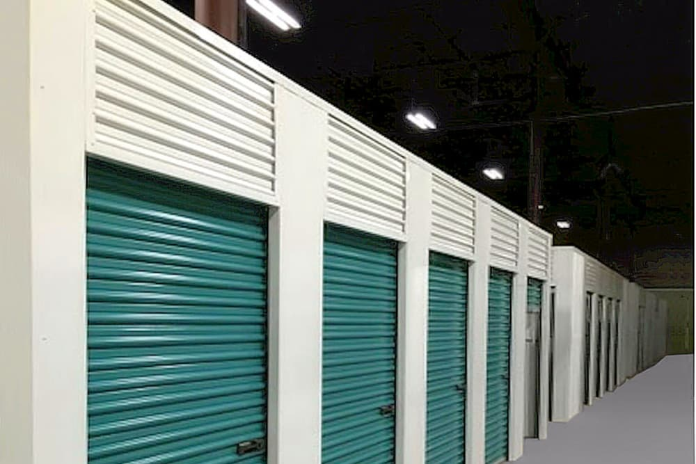 Etonnant Indoor Units At Prime Storage In Dracut, Massachusetts